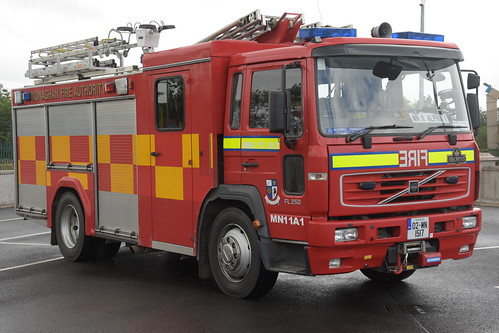Monaghan Fire Authority 2002 Volvo FLH250 Browns WrL 02MN1517