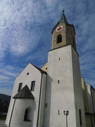20170929 02 493 ostbay Rattenberg Wolken Kirche TurmUhr