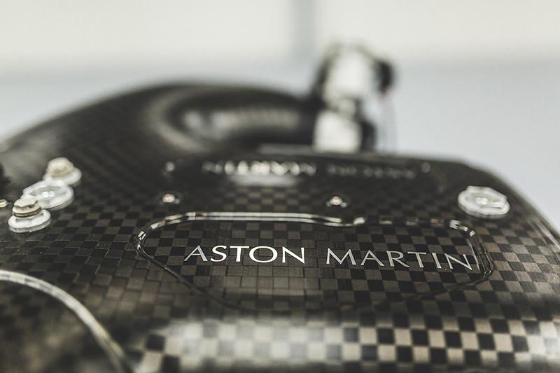 7361fcdd-aston-martin-valkyrie-v12-engine-3
