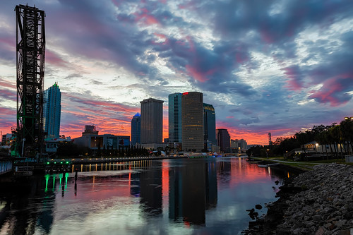 beercan florida hillsboroughriver reflection rivergatebuilding skyline sunrise sykesbuilding tampa tampariverwalk unitedstates us