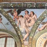 Raffaello (1483-1520) and workshop (Giulio Romano - Giovanni da Udine (per affreschi floreali e festoni) - Raffaelino del Colle - Giovan Francesco Penni) Amore e le tre Grazie - Loggia di Amore e Psiche (1518 circa) - Villa Farnesina - Roma - https://www.flickr.com/people/94185526@N04/