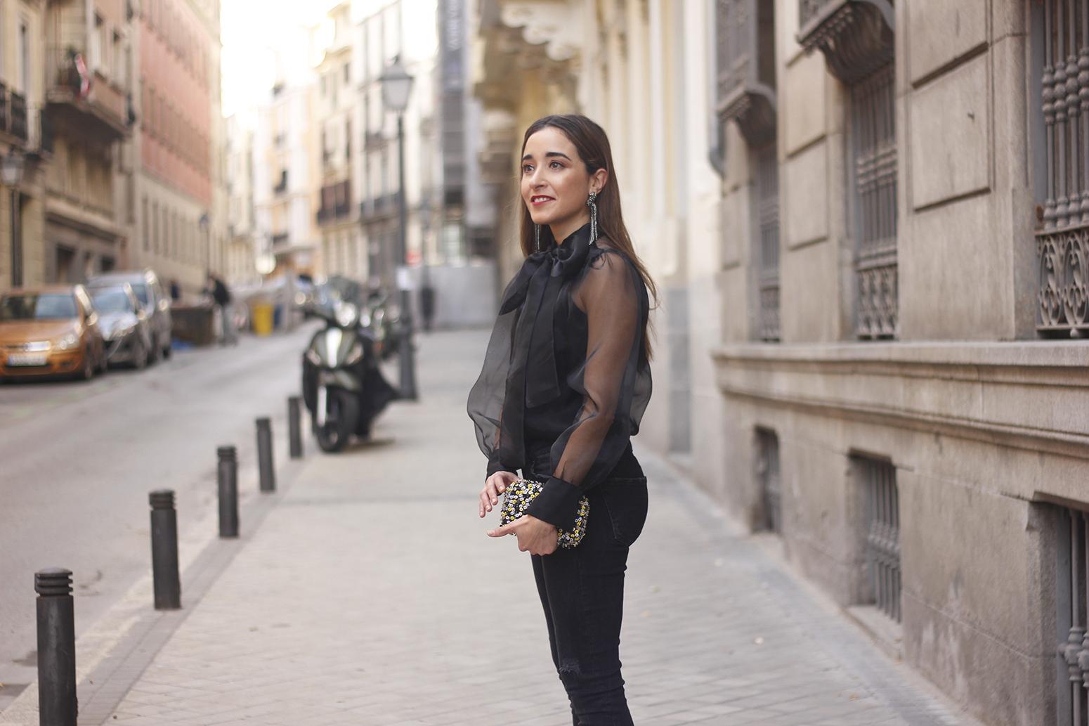 black shirt jeans christmas look fashion street style xmas 20188860