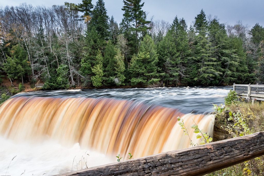 Upper Tahquamenon Falls, Brink of Falls Viewpoint