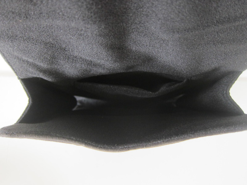 Bowers & Wilkins PX Headphones - Carrying Pouch - Inside