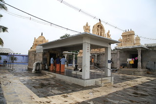 Perumal and Dakshinamoorthy shrines