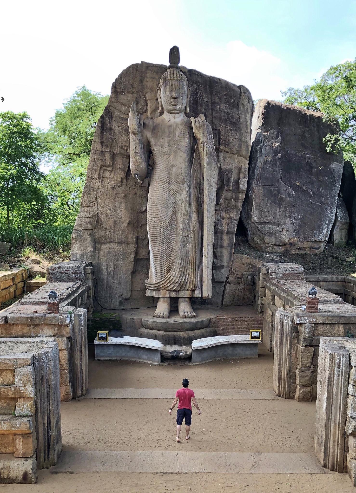 Aukana, la estatua de Buda más alta de Sri Lanka buda de aukana - 46781553031 2c652fdd31 k - Buda de Aukana, la estatua de Buda más alta de Sri Lanka