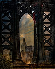 Manhattan Bridge . From my archives. . . #legs #arches #empirestatebuilding #manhattanbridge #bridge #textured #brooklynbridgepark #newyorkcity #chrislord #chrislorddotnyc #pixielatedpixels #nycphotography #creativeimages #texture #artforartssake #newyork
