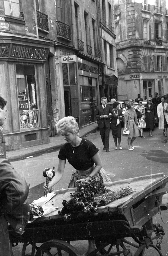 Улица Арп с видом на улицу Сен-Северин