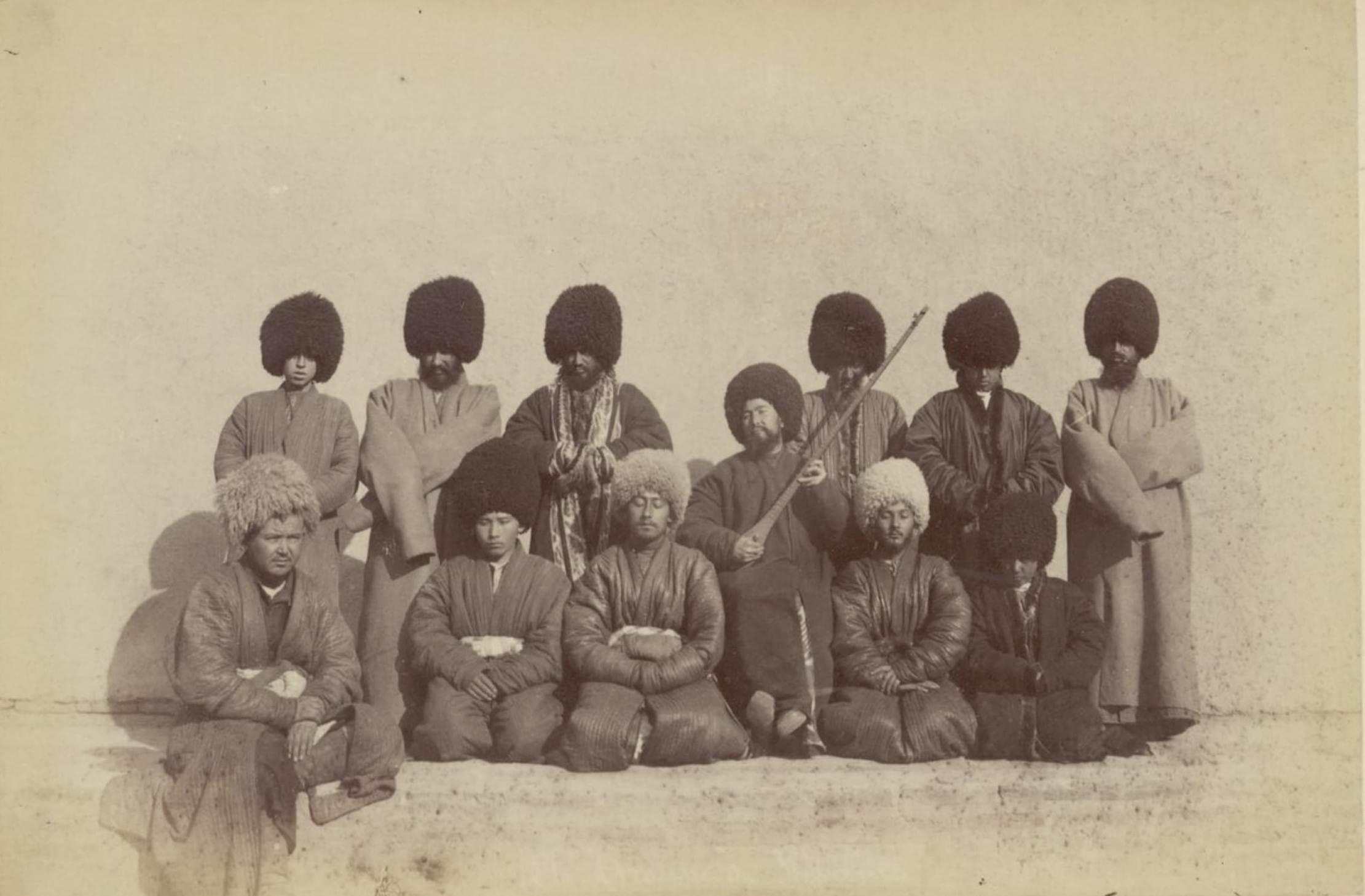 21. Группа хивинцев