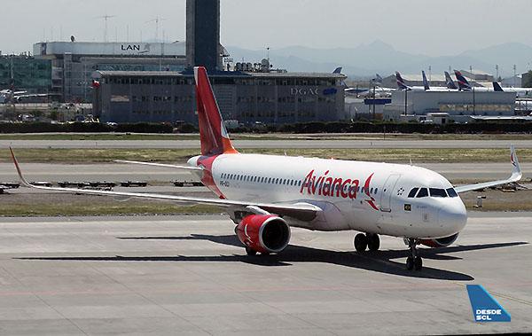 Avianca Brasil A320 SCL (RD)