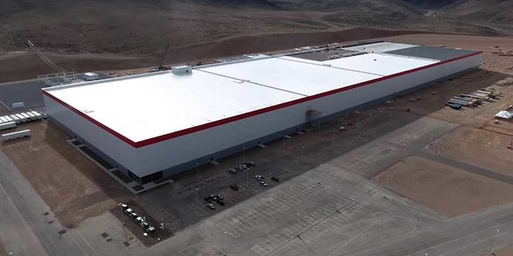 Tesla ouvre les portes de sa Gigafactory 1