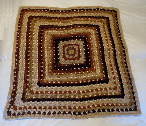 Brown Grannies Square lapghan