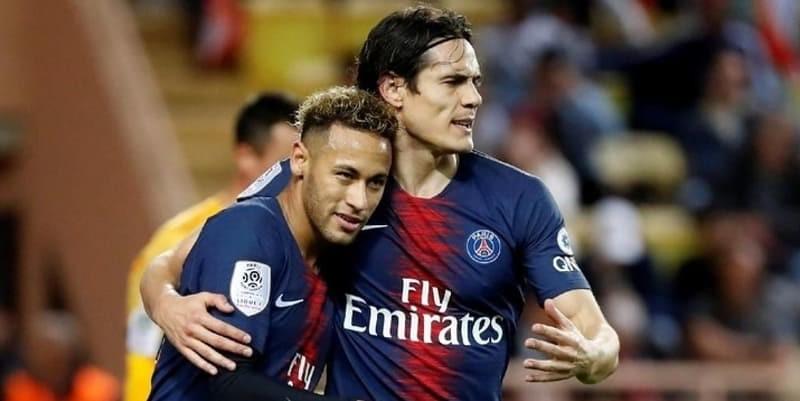 Cavani menyangkal keretakan Neymar