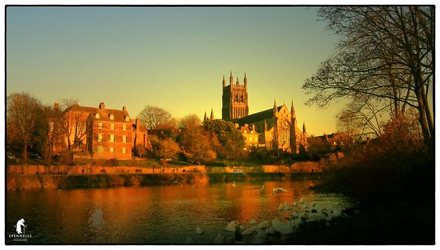 Worcester Cathedral, Pentax K20D, smc PENTAX-DA 18-55mm F3.5-5.6 AL