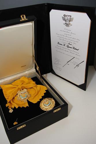 El Embajador Rogelio Granguillhome impone la condecoración de la Orden Mexicana del Águila Azteca a cinco personalidades alemanas. (2)