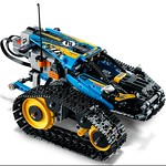 LEGO Technic 42095 Remote Controlled Stunt Racer 7
