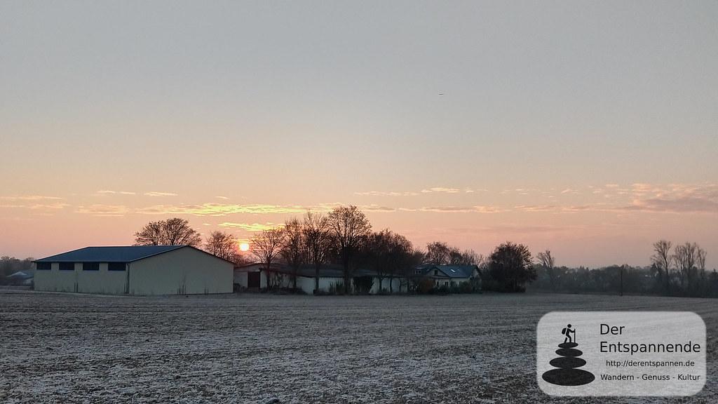 Sonnenaufgang über dem Paulinenhof, Selzen
