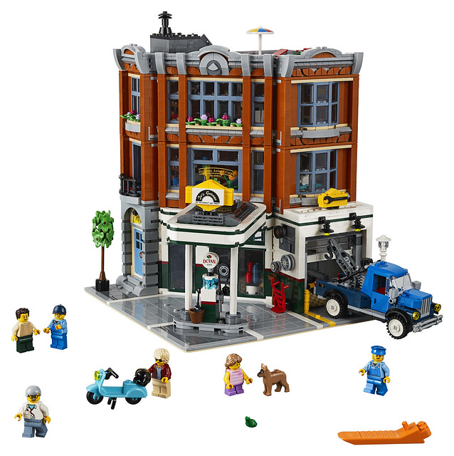 LEGO 10264 Corner Garage Modular 2019