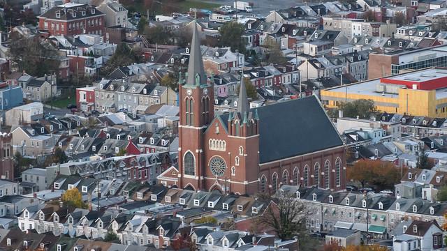 Church and Houses, Nikon D500, AF-S DX Nikkor 18-300mm f/3.5-6.3G ED VR