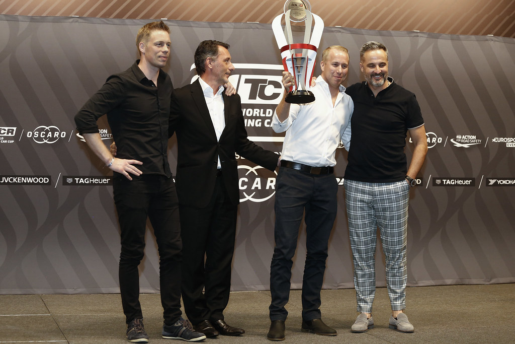 BJORK Thed, (swe), Hyundai i30 N TCR team Yvan Muller Racing, portrait RIBEIRO François, WTCR Eurosport Motorsport Director, portrait MULLER Yvan, (fra), Hyundai i30 N TCR team Yvan Muller Racing, portrait  prize giving ceremony  during the 2018 FIA WTCR World Touring Car cup of Macau, Circuito da Guia, from november  15 to 18 - Photo Francois Flamand / DPPI