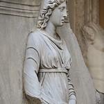Plinto con personificazione di Provincia (Libya) dal Tempio di Adriano MC 755 - https://www.flickr.com/people/82911286@N03/