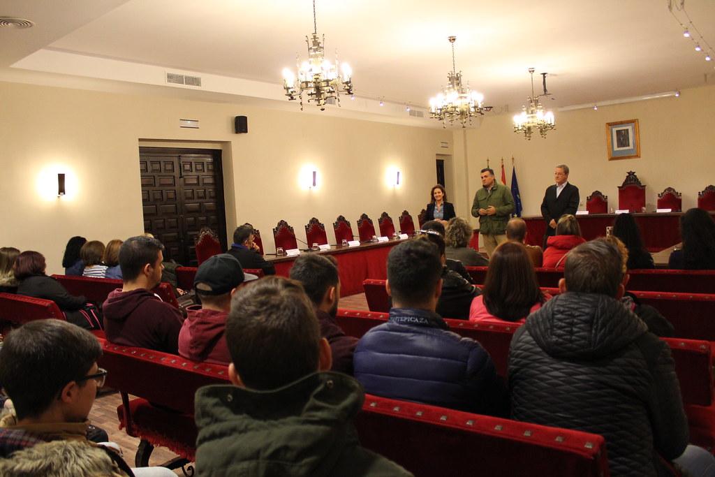 Las Escuelas Profesionales de Atención Sociosanitaria y Calderería han comenzado hoy con un acto de bienvenida