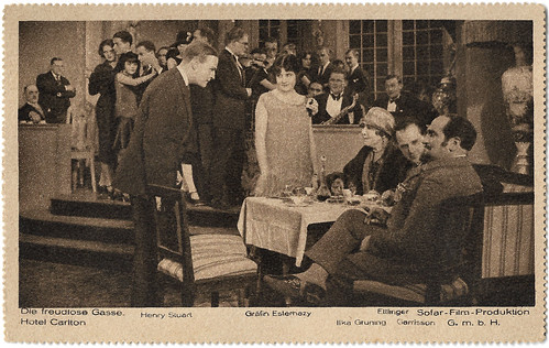 Henry Stuart and Agnes Eszterhazy in Die Freudlose Gasse (1925)
