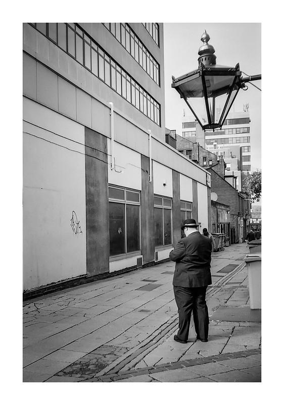 FILM - The man beneath the lamp