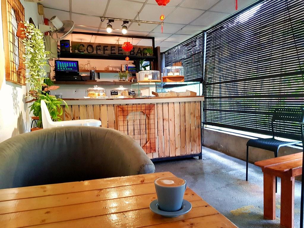 拿铁 Latte rm$11 @ Caffeinated Cabin PJ Jalan Gasing