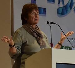 Michelle Messina, CEO Explora International en escenario