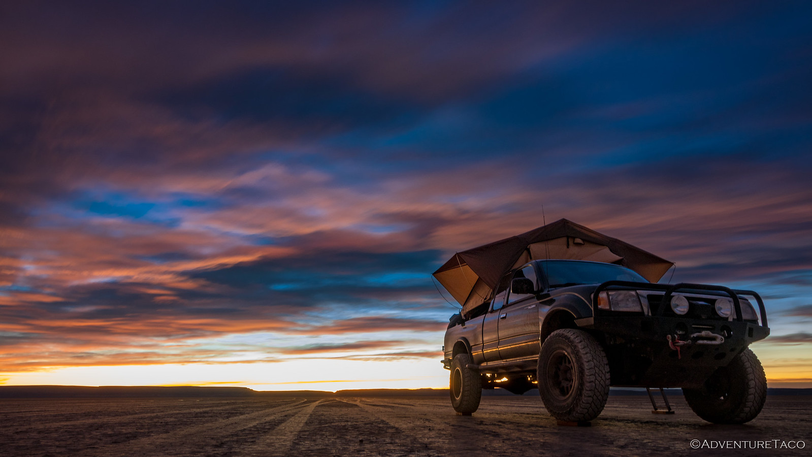 toyota tacoma at sunrise