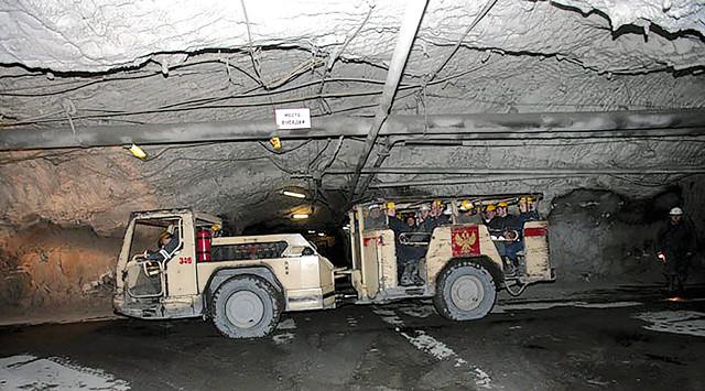 транспортировка в руднике