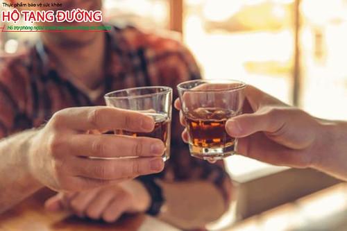Người tiểu đường không nên uống nhiều rượu bia trong dịp Tết