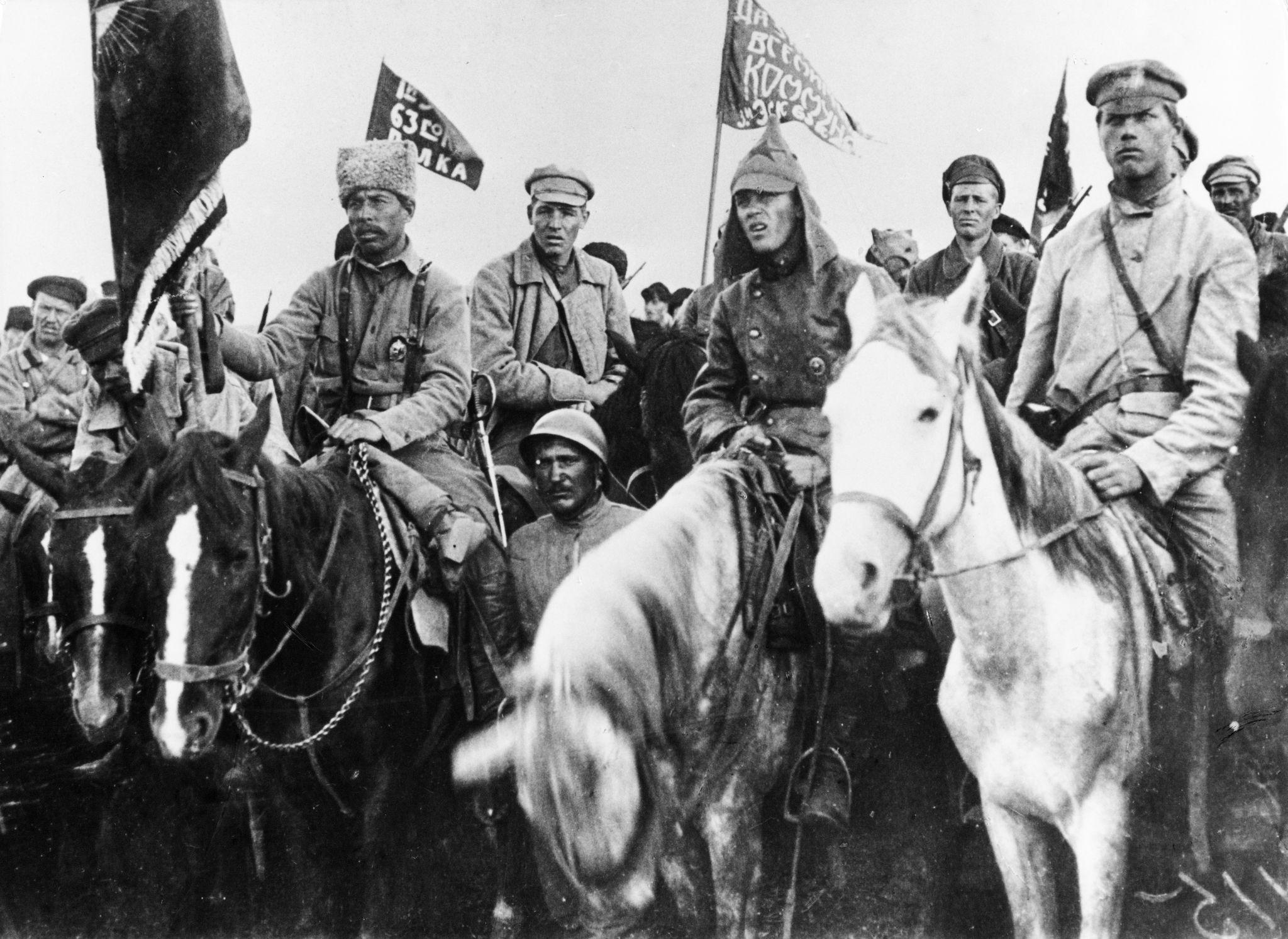 Красноармейцы 1-й конной армии под командованием Семена Буденного на митинге