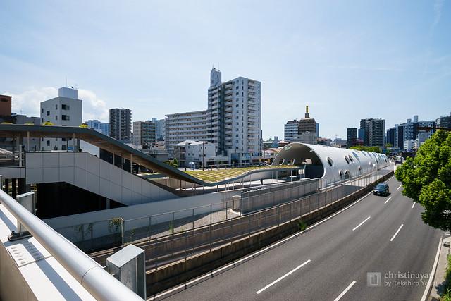 Full view of Shin-Hakushima Station (アストラムライン新白島駅)