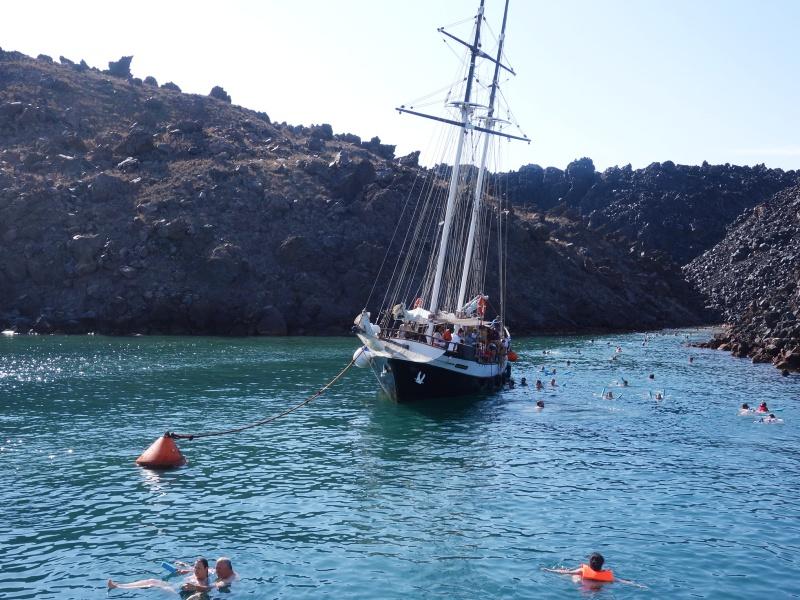 boat cruise Santorini
