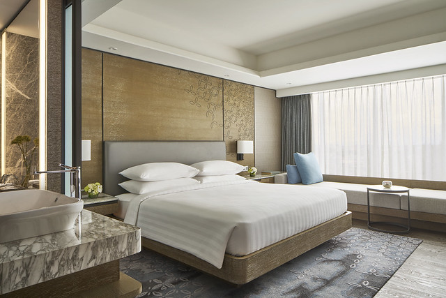 MH_JOGMC_Delux_King_Bed