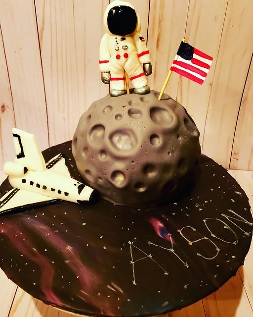 Astronaut Cake by Heather Hamilton