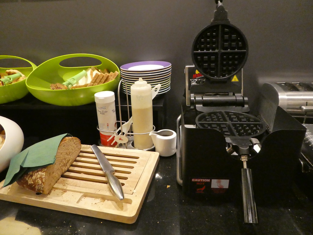 Waffles for breakfast at the IBIS Styles Frankfurt City