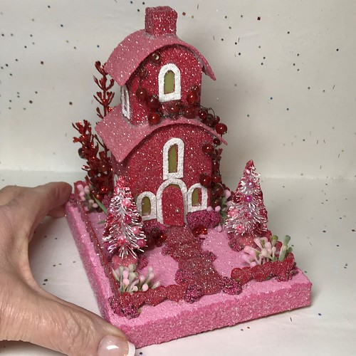 Red and Pink Valentine Putz House