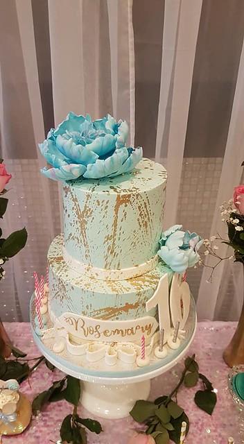 Cake by Rowena's Cakes