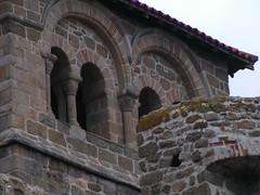 20080515 23403 0905 Jakobus Champdieu Kirche Bögen