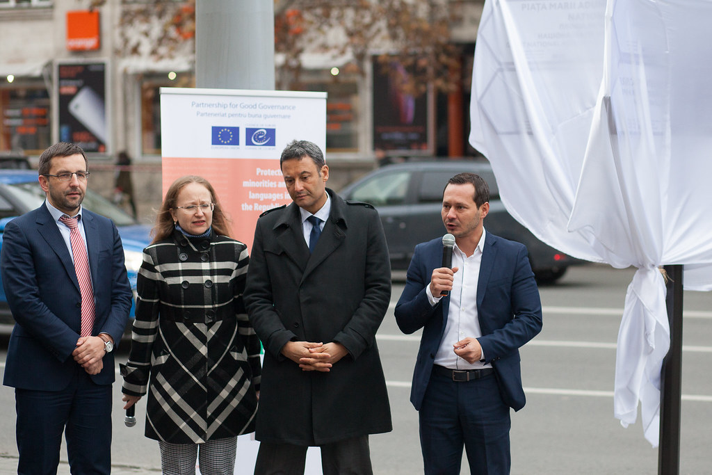 MOLDOVA: Inauguration event of multilingual signs in Chisinau