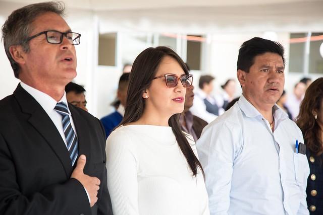 Viceministra de Educación Recorre la UE Modesto Peñaherrera en Cotacachi