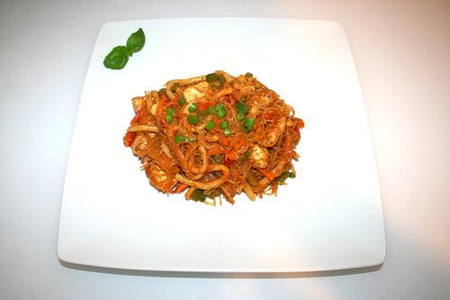 39 - Tandoori glas noodles curry with chicken - Served / Tandoori Glasnudel-Curry mit Hähnchen - Serviert