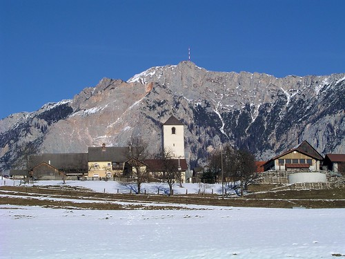 Hohenthurn with Dobrac behind