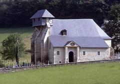 L'église paroissiale Saint-Pierre.