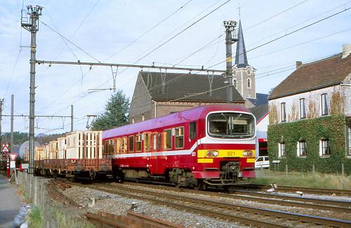 NMBS 921 @ Sint Joris Weert