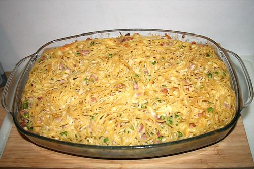 32 - Spaghetti ham casserole with yoghurt sauce - Finished baking / Spaghetti-Schinken-Auflauf mit Joghurtguss - Fertig gebacken