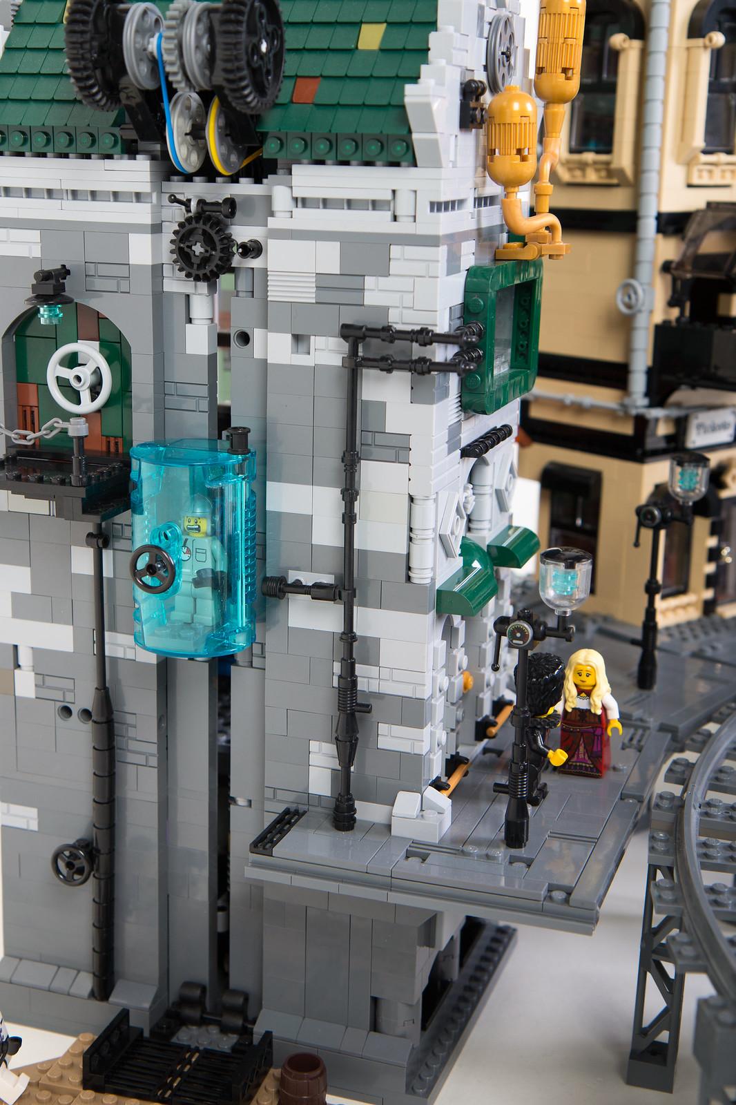 самодельный лего город на Луне